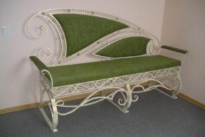 Мебель кованая скамейка в прихожую